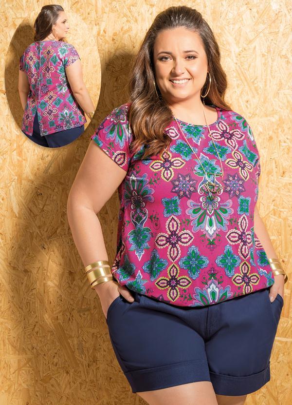 Blusa Mangas Curtas (Estampada) Plus Size